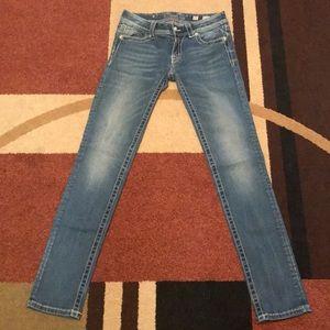 Beautiful like new Miss Me Jeans